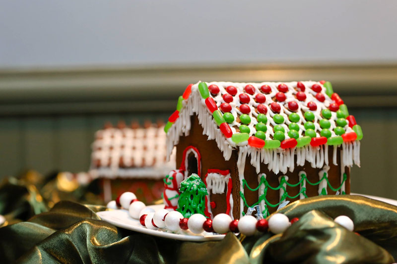 Promotion for Annual Gingerbread House Workshop